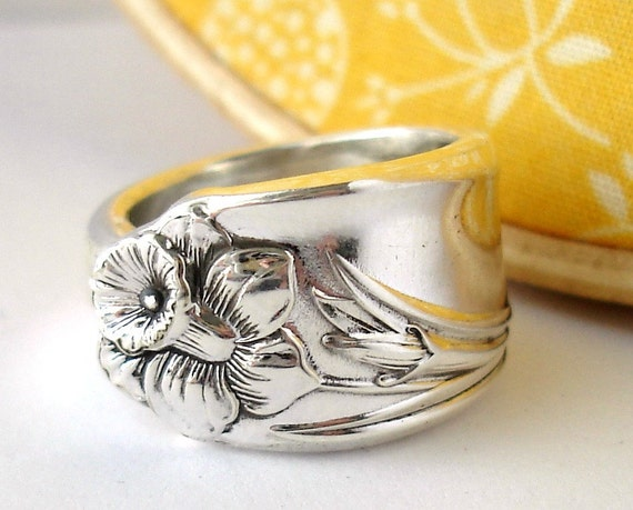 Spoon Ring, size 9, Daffodil Pattern 1950