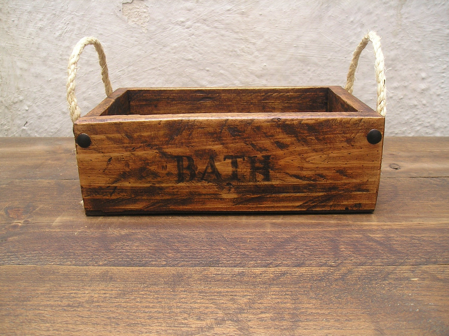 handmade rustic wooden bathroom accessories / by regalosrusticos, Bathroom decor