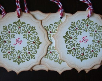 Decorative Vintage-Inspired Wreath Christmas Tags