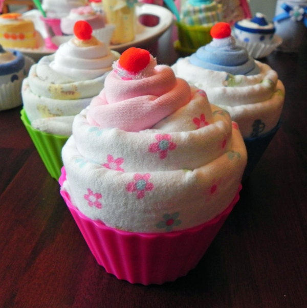Baby Shower Cupcake Gift Ideas : Jumbo Baby Cupcake Receiving Blanket Burp Cloth & Infant
