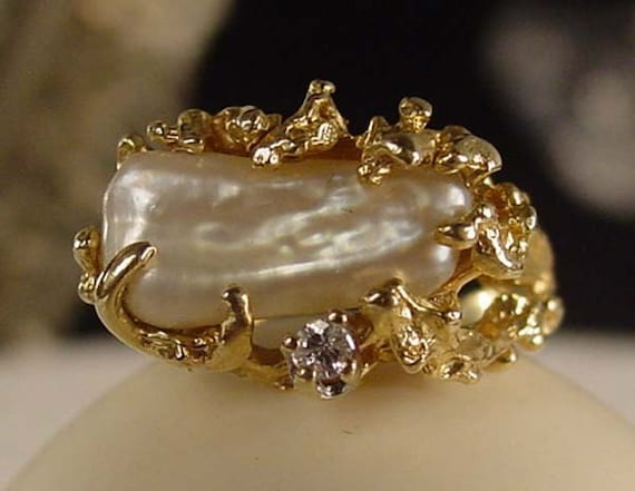 Vintage 14 kt Gold Fresh Water Keshi Pearl and Diamond Ring