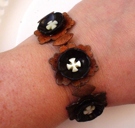 Vintage Button Bracelet: Copper and Black Flowers with Mother of Pearl Cross Vintage Button and Copper Jewelry