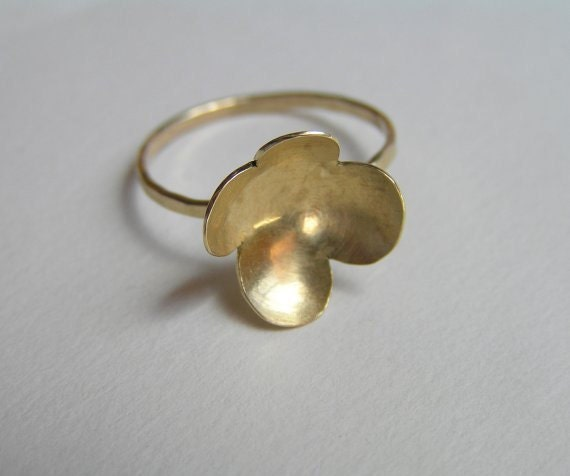 Solid 14k Gold Ring -  Flower Petals Ring - Delicate Ring - Solid Gold Jewelry