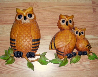 Owl Family Plaques Hard Styrene Plastic Set - 1976 Vintage Decorating item