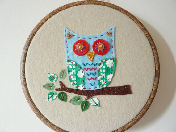 Felt owl wall hanging/wall art/ handmade/hand stitched.