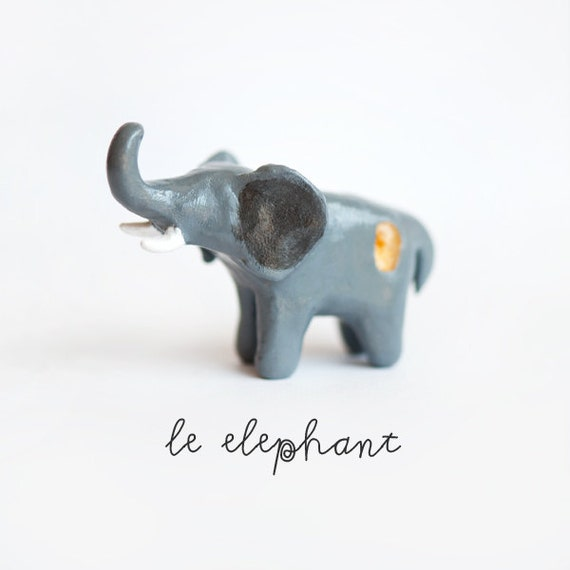 Le Elephant Citrine Totem : One of a Kind Tiny Animalé Sculpture OOAK