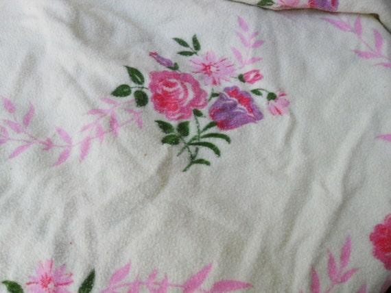 Vintage flower bouquets flannel blanket