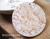 50mm Amazing White Carved Line Drawing Wooden Round Charm/Pendant MK13 04