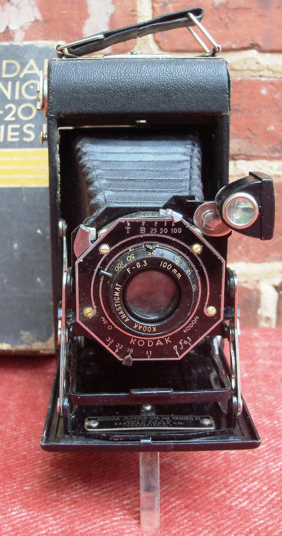 Kodak Junior Six-20 Folding Bellows Camera Series 2 circa 1930's