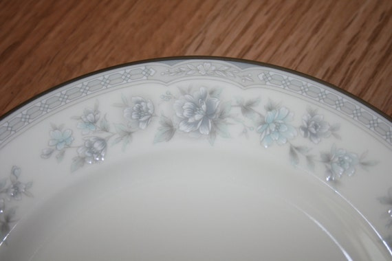 Vintage Noritake Buenavista Pattern Fine China Cups Bread and Butter Dessert Plates Blue Grey Flower Leaves Silver