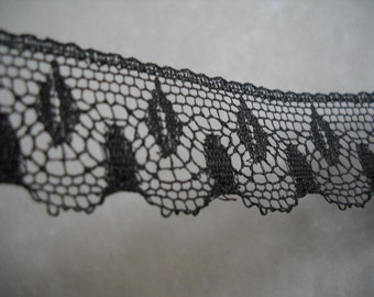 Black Lace Trim - 4 yds-   18mm wide-