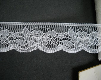 5 yards -  White  lace trim- 32mm  wide- ref vw 45