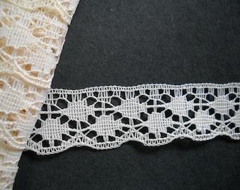 2 yards - vintage lace trim-  19mm wide-