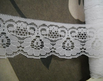 3 yards-Beautiful white lace trim- 40mm wide