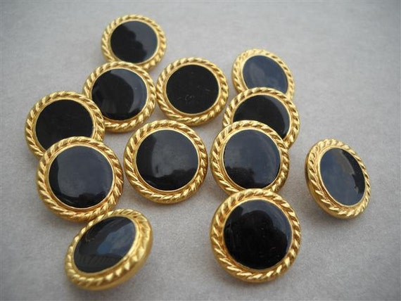 10 beautiful vintage button - black and gold metal - 19mm