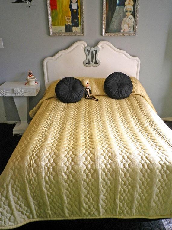 Vintage 50s 60s Hollywood Regency Gold Glitter Bedspread Comforter MCM Midcentury Full Double Queen Elegant Fancy Quilted Quilt