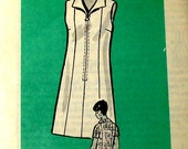 60s Vintage Sewing Pattern - 1960s Dress with Front Zipper - Mail Order 4933 UNCUT Bust 40 Plus Size