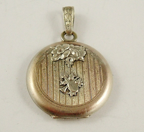 Antique French Art Nouveau locket, silver plated 18th century revival