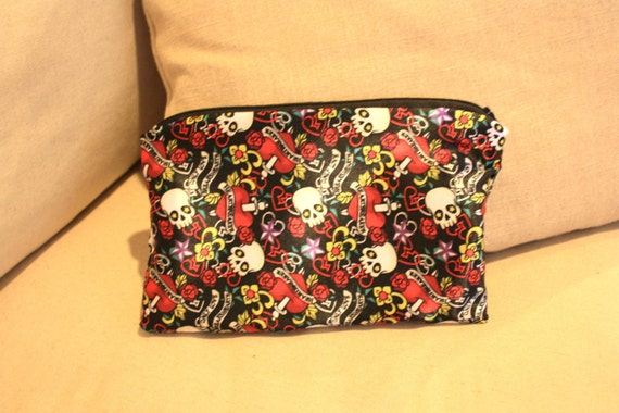 TATTOO SATIN Skull heart pistol charm Medium Vintage Style fabric zip up clutch purse pencil case makeup travel bag pirate lining