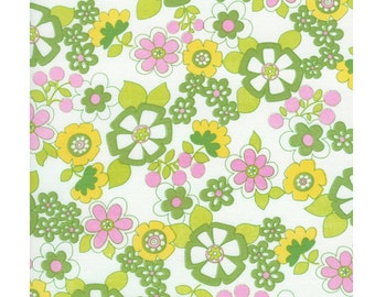 Timeless Treasures Suzy-Q Tossed Floral Green Organic Cotton fabric, 1 yard