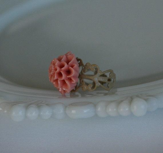 Pinky Mum Filigree Ring -- Chai