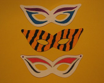 "Masquerade Party Invitations - Set of 12 6"" Masks With Vellum Envelopes"