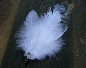 White Feather Fascinator