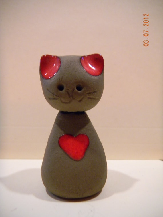 Miniature clay pottery cat figurine Denmark..with red glazed heart..charming vintage kitty