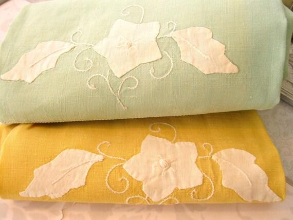 Beautiful Vintage Mint and Goldenrod Appliqued Linen Tea Towels Set (2)  Fingertip Towel Guest Towel Home Decor