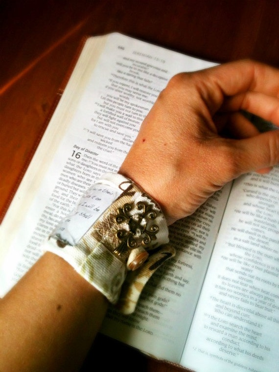 Interchangeable Scripture Cuff