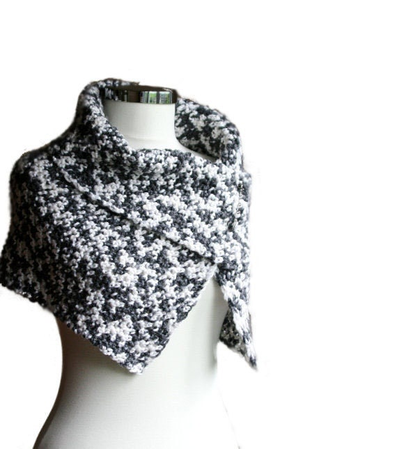 Capelet Scarf in Creamy White and Charcoal Grey with Metal Pin