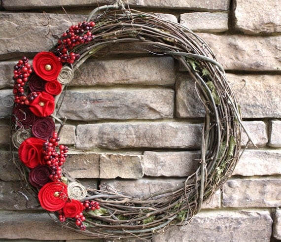 red christmas grapevine wreath