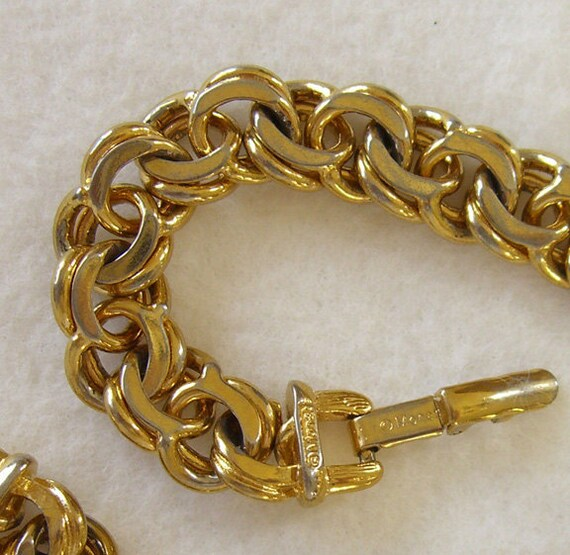 vintage chunky bracelet signed monet by buyvintagejewelry