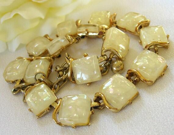 Vintage CORO Necklace Confetti Lucite 1950s Jewelry Choker