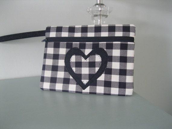 CLOSING DOWN SALE. Wristlet zippy purse. navy and white gingham heart