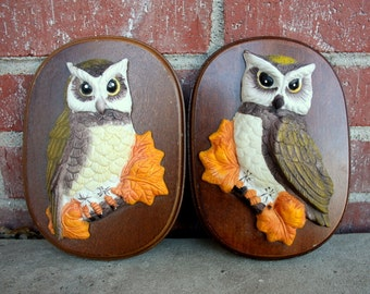 1970s pair of 2 retro ceramic owl plaques, pictures or wall hangings.