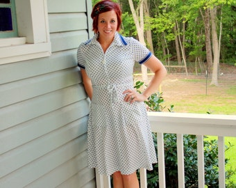 1970s sporty polka dot day dress. Size medium med 6 8