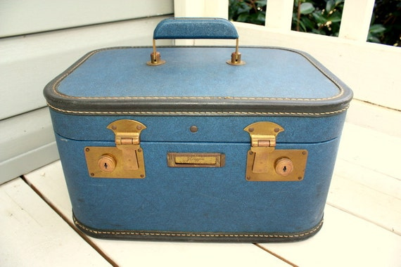 1940s Mid Century JC Higgins for Sears Roebuck travel train makeup case.