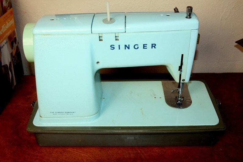 singer sewing machine 1960s
