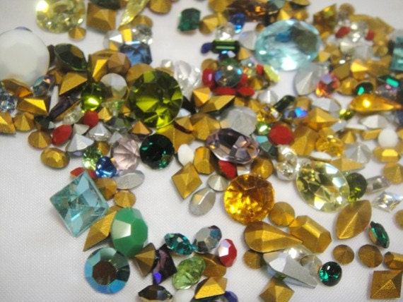 Vintage Swarovski and Austrian Crystal Rhinestones - 230 Stones - 1950s and 1960s - NOS