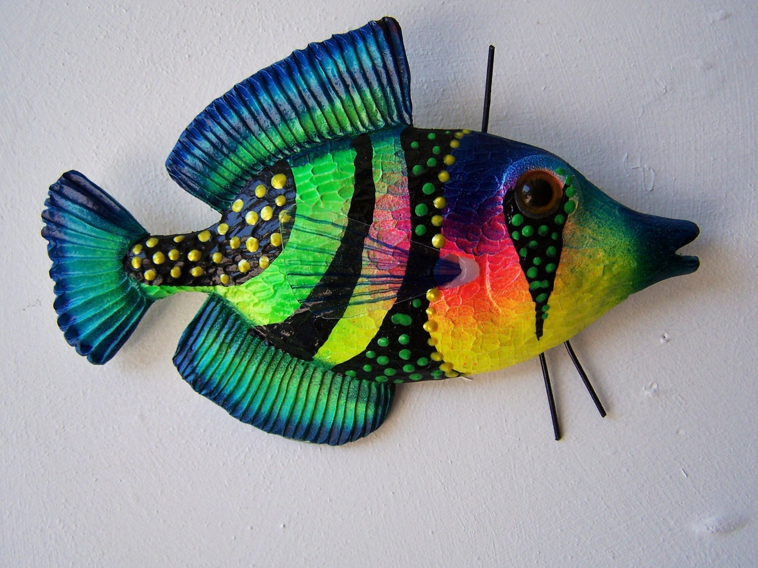 Fish art wall decor colorful fish sculpture for Fish wall decor