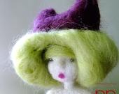 "Collection Poupées Paulette, doll named ""Petit minois"" number 102"