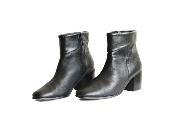 Black Chunky Heel Zippered Pirate Boots in Womens 9