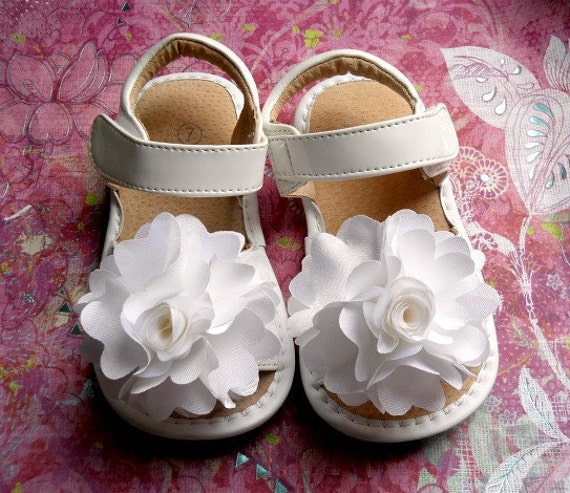 Toddler White leather squeaky shoes,  Girl sandals  white satin rosette, girl shoes.Ready to ship.