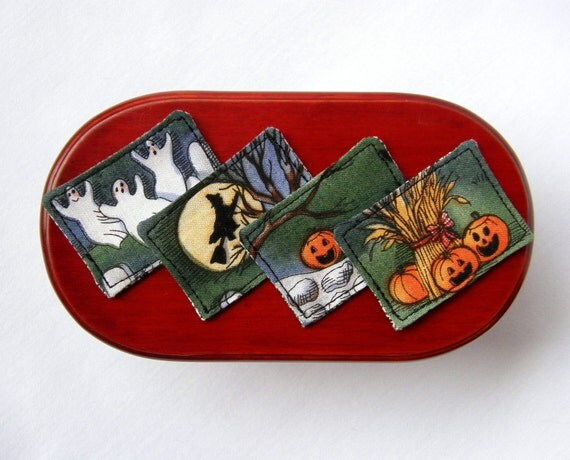 Dollhouse Miniature Halloween Reversible Placemats Set of 4, In 1:12 Scale - Halloween reverses to Graphic Black and White print
