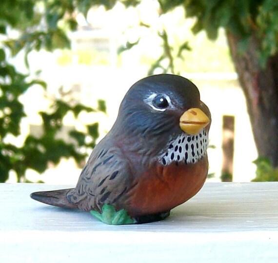 Robin, ceramic robin, miniaure ceramic robin