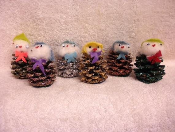 6 Vintage Pinecone Snowmen - People -  Glitter - Cute Christmas Decoration