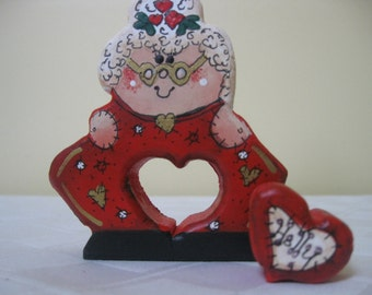 Christmas in July - Holiday Mrs Claus Love Chunk / Christmas Decor