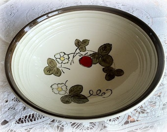 Metlox Poppytrail California Strawberry Serving Bowl