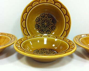 Coventry Castilian Bowls by Homer Laughlin